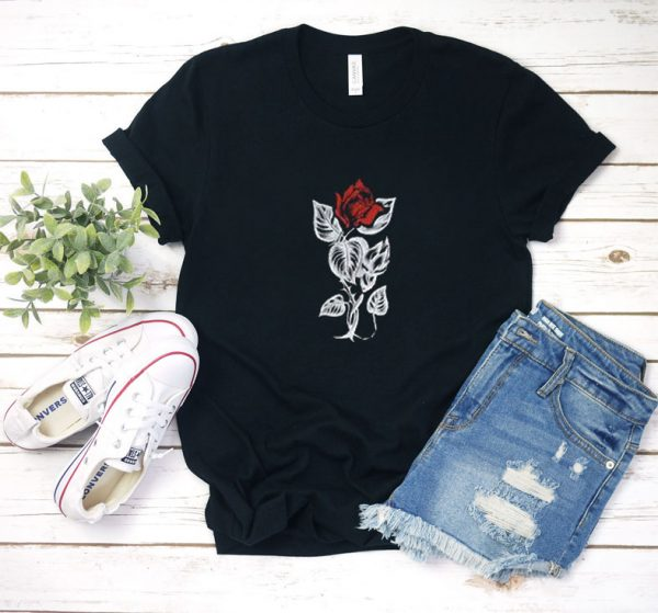 red roses T shirt