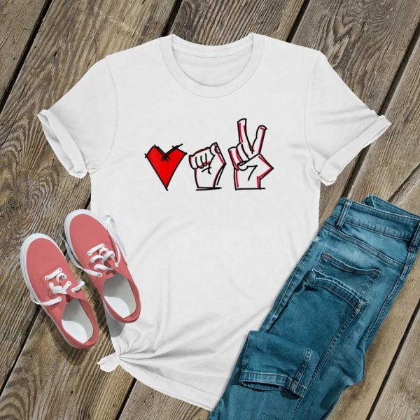 Love fight win T Shirt